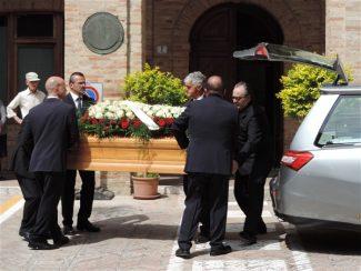 funerale-colonnello-polacco2-325x244