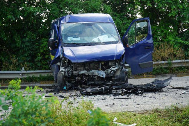 incidente-auto-furgone-morrovalle-FDM-4-650x434