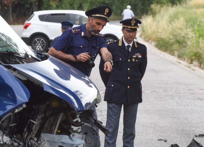 incidente-auto-furgone-polizia-stradale-vice-quest-laliscia-morrovalle-FDM-15-650x470