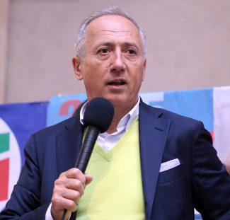 Filippo-Saltamartini_sindaco-di-Cingoli_Foto-LB-2-e1451935492328-650x622-325x311