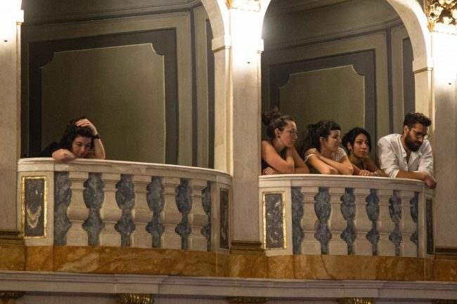 We-Can-Be-Waves-spettacolo-teatrale-opera-2018-lauro-rossi-foto-ap-2-650x433