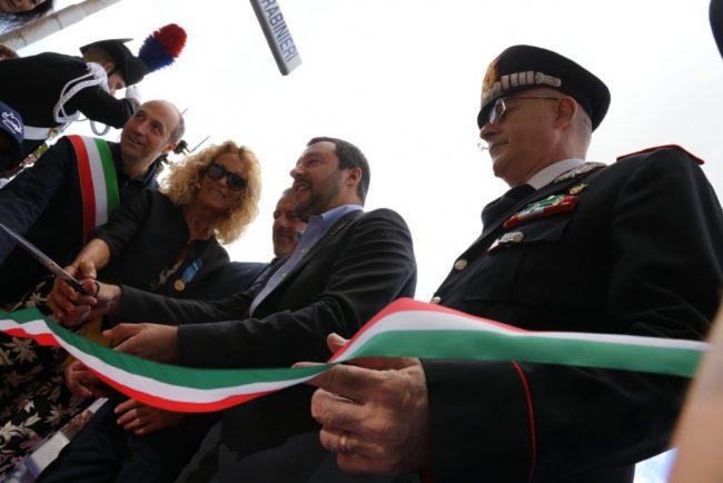salvini-carabinieri-questura-finanza-fermo-1-650x434