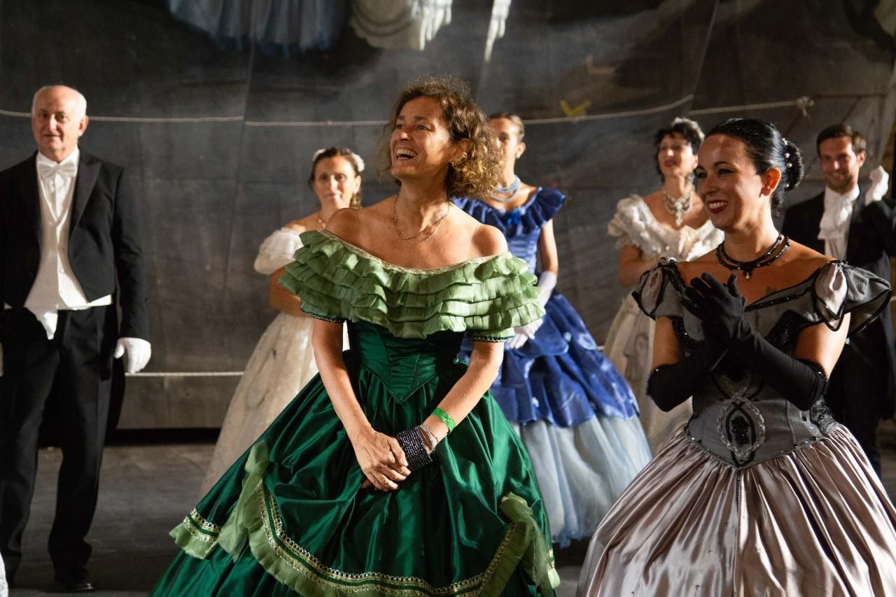ballo ottocentesco traviata degli specchi sferisterio macerata opera 2018 foto ap (18)