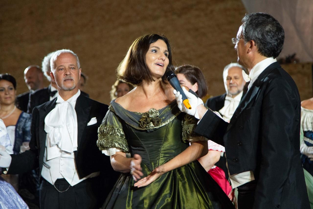 ballo ottocentesco traviata degli specchi sferisterio macerata opera 2018 foto ap (19)