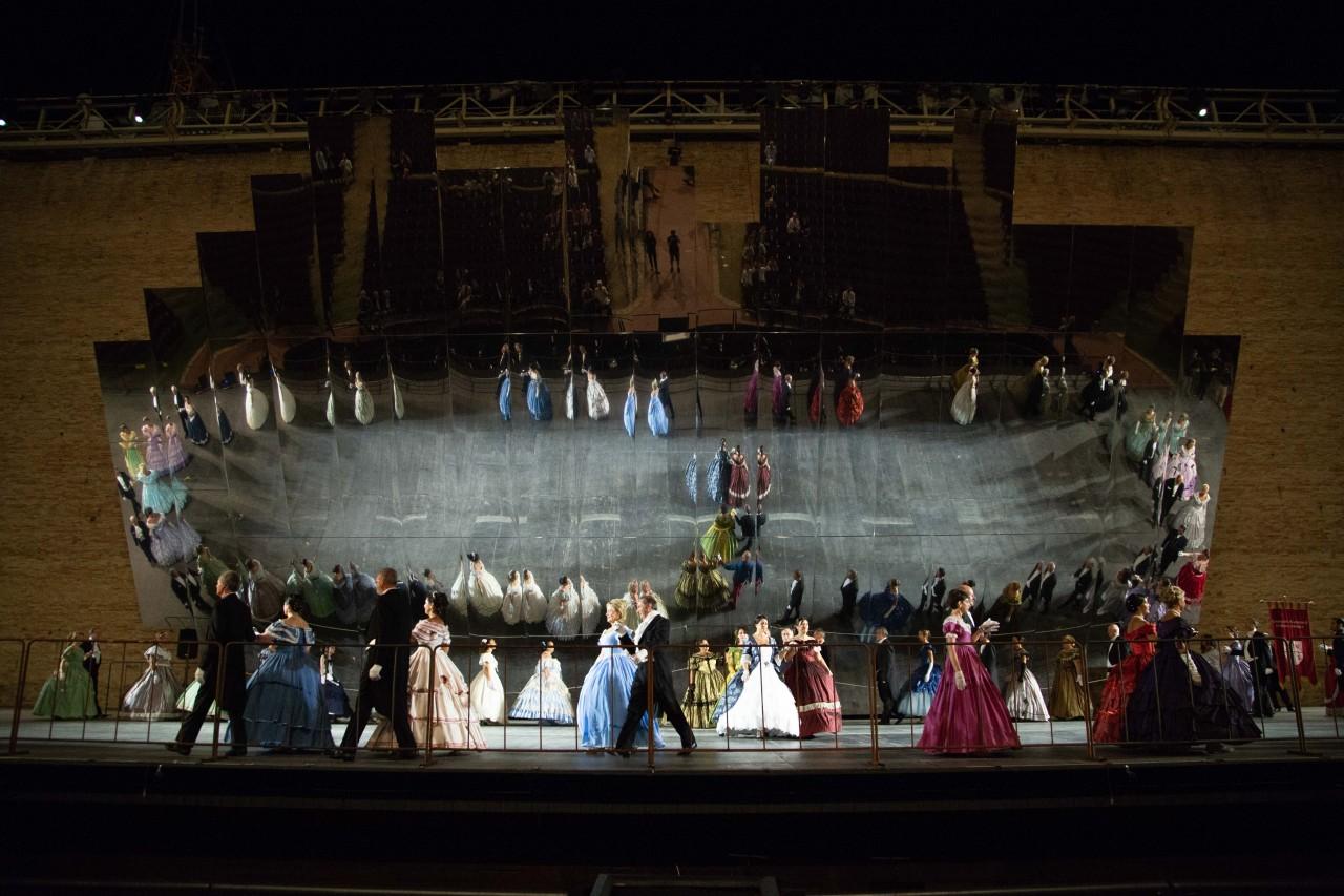 ballo ottocentesco traviata degli specchi sferisterio macerata opera 2018 foto ap (2)