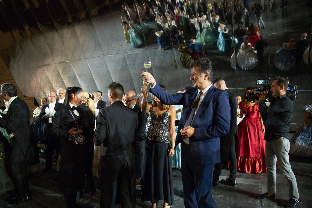 ballo ottocentesco traviata degli specchi sferisterio macerata opera 2018 foto ap (22)