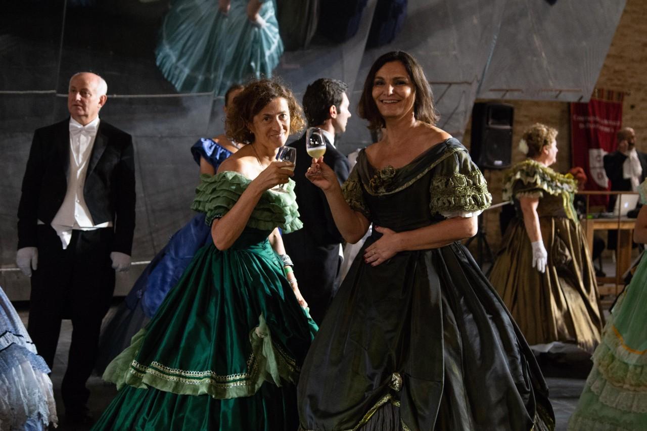 ballo ottocentesco traviata degli specchi sferisterio macerata opera 2018 foto ap (23)
