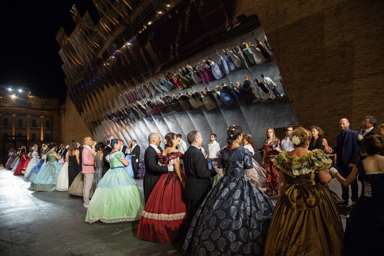 ballo ottocentesco traviata degli specchi sferisterio macerata opera 2018 foto ap (32)