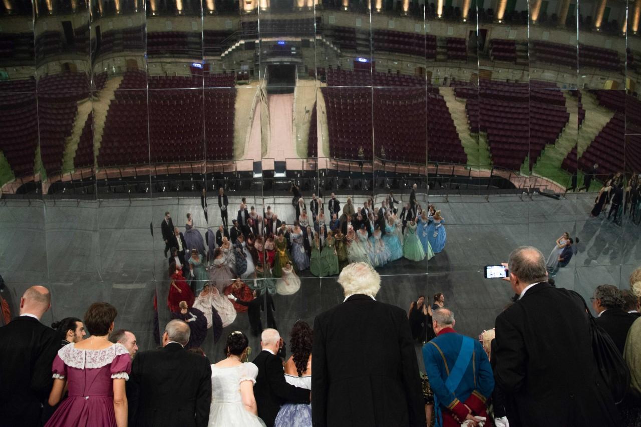 ballo ottocentesco traviata degli specchi sferisterio macerata opera 2018 foto ap (35)