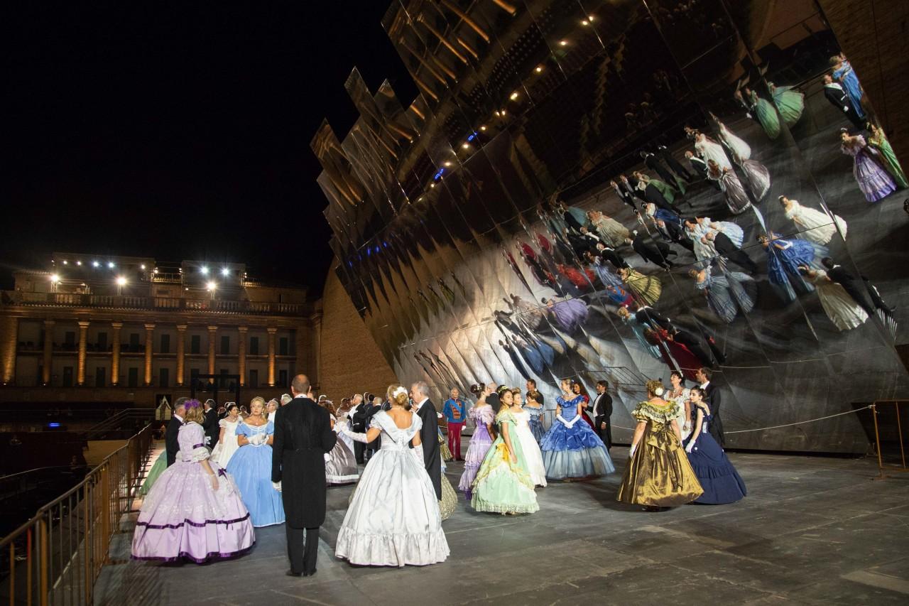 ballo ottocentesco traviata degli specchi sferisterio macerata opera 2018 foto ap (9)