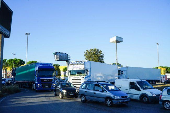 traffico-chiusura-casello-autostrada-civitanova-FDM-1-650x434