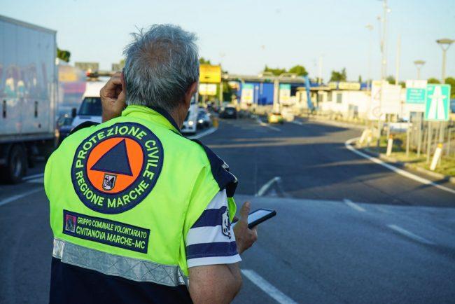 traffico-chiusura-casello-autostrada-protezione-civile-civitanova-FDM-6-650x434
