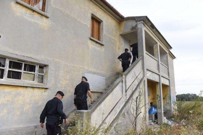 controlli-hotel-house-carabinieri-casolare-cc-hh-porto-recanati-FDM-14-650x434