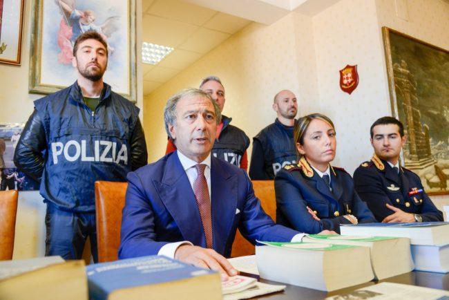 Polizia_NegozioCannabis_FF-3-650x434
