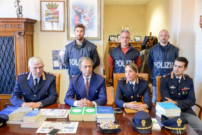 Polizia_NegozioCannabis_FF-5-650x434