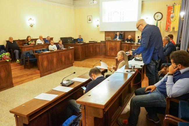 consiglio-comunale-ott18-civitanova-FDM-1-650x434