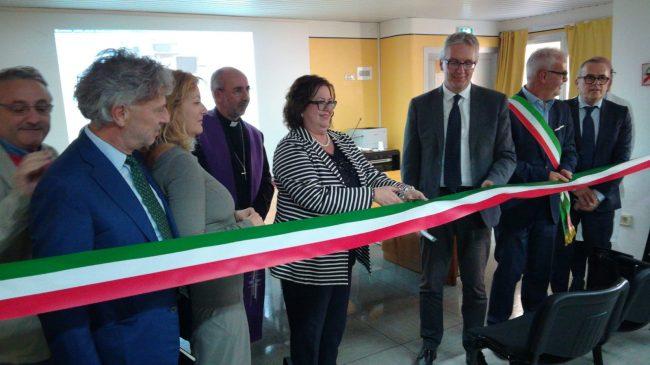 inaugurazione-laser-ospedale-macerata-2-650x365