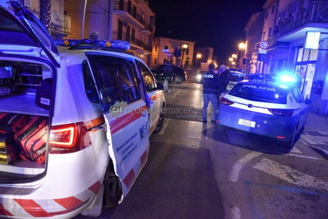 accoltellamento-corso-vittorio-emanuele-polizia-soccorsi-civitanova-FDM-1-650x434