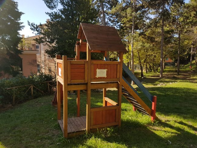 parco-giochi-polemica-via-isonzo5-650x488