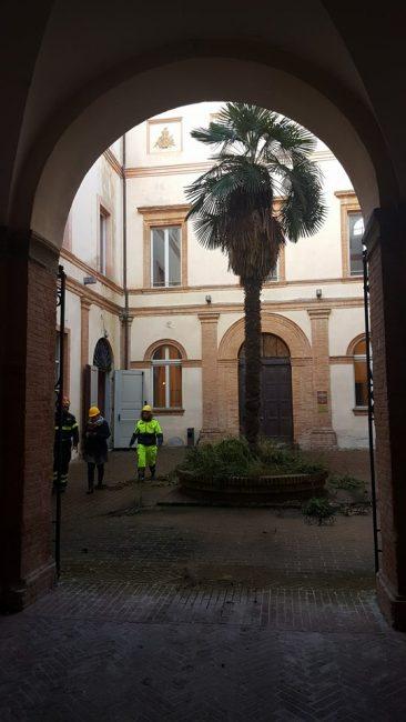visita-camerino-parlamentari-ambiente-4-366x650