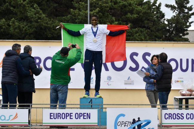 Ndiaga-Dieng-sul-podio-campestre-campione-europeo