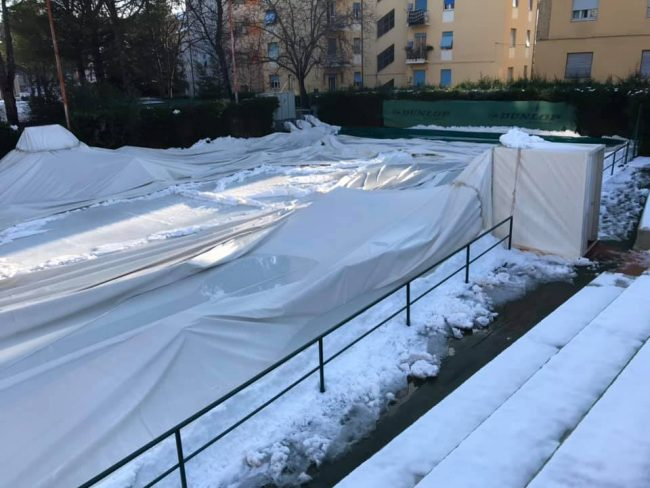 campi-tennis-tolentino-neve