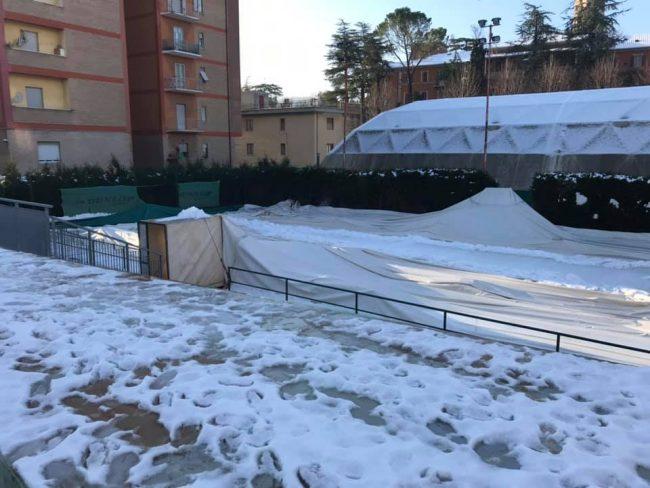campi-tennis-tolentino-neve1-650x488