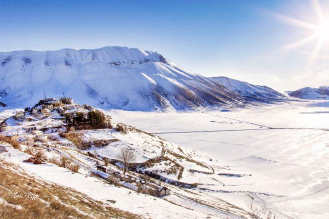 castelluccio-neve-1-650x433