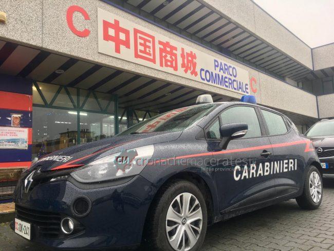 controlli-emporio-cinesi-carabinieri-civitanova2-650x488