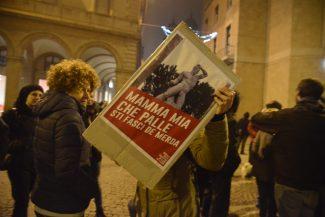 manifestazione_antifascista_macerata_00004-325x217