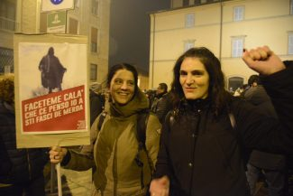 manifestazione_antifascista_macerata_00007-325x217