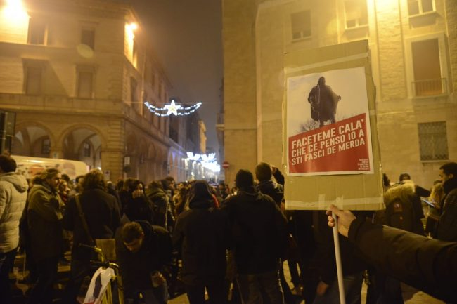manifestazione_antifascista_macerata_00011-650x433