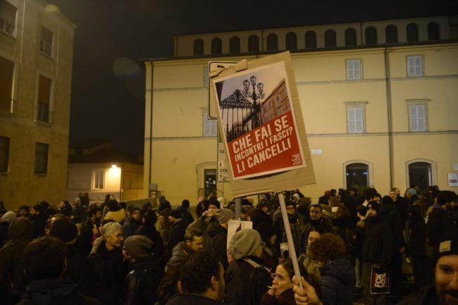 manifestazione_antifascista_macerata_00012-650x433