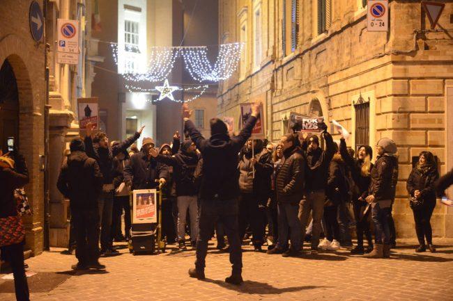 manifestazione_antifascista_macerata_00021-650x433