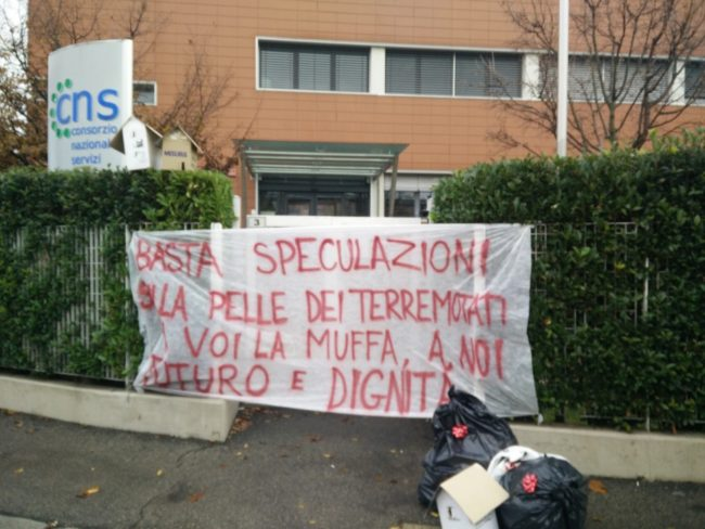 protesta-cns-muffa-2-650x488