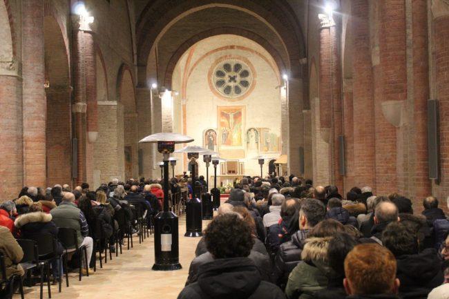 vescovo-marconi-omelia-natale1-650x433