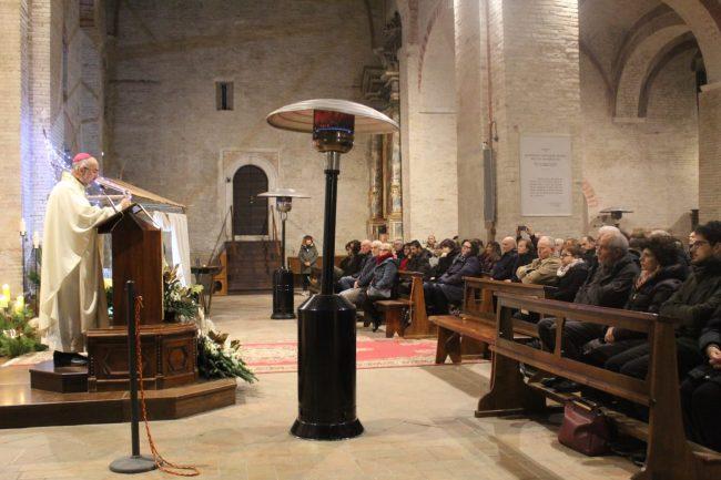 vescovo-marconi-omelia-natale7-650x433