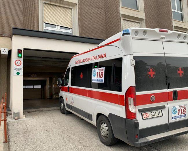ambulanza-pronto-soccorso-118-archivio-arkiv-2-650x524