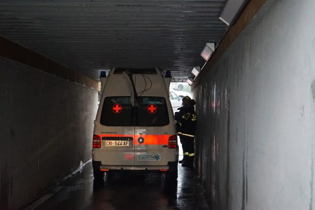 ambulanza-sottopasso-castellaro-civitanova-FDM-2-650x434