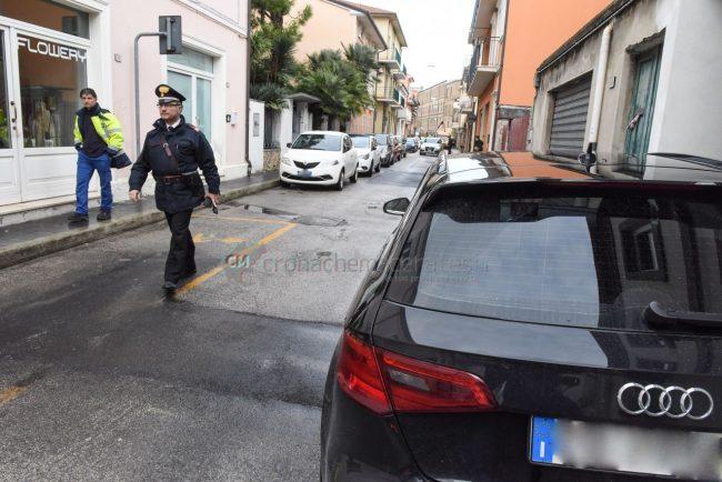 inseguimento-ritrovamento-auto-via-trieste-carabinieri-civitanova-FDM-11-650x434