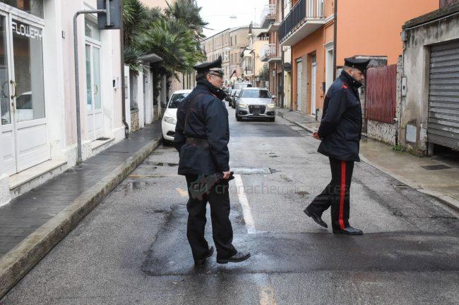 inseguimento-ritrovamento-auto-via-trieste-carabinieri-civitanova-FDM-12-650x433