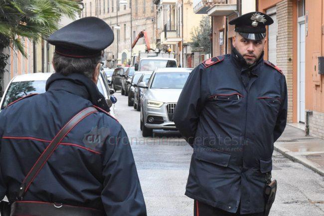 inseguimento-ritrovamento-auto-via-trieste-carabinieri-civitanova-FDM-5-650x433