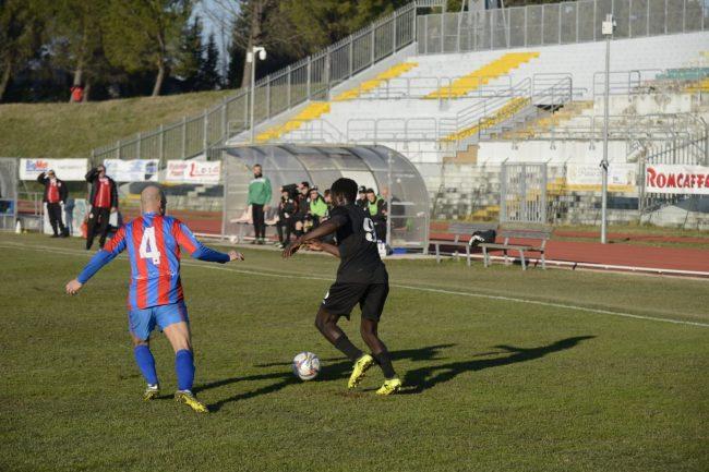 maceratese-atletico-azzurra-colli-1-650x433
