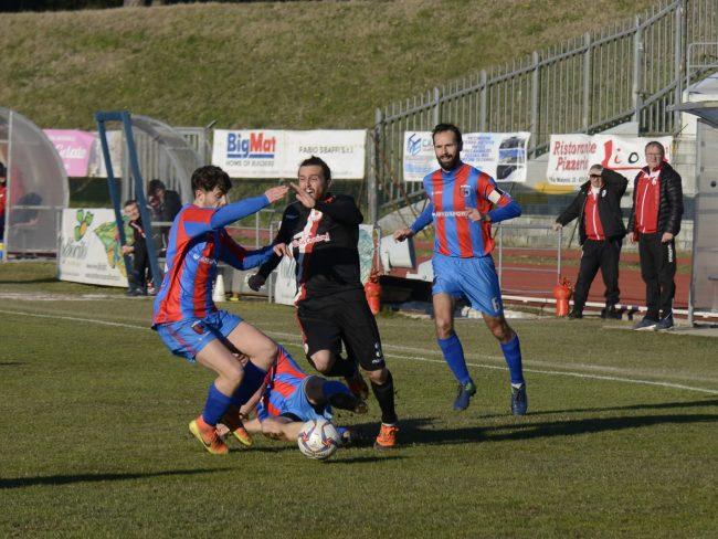 maceratese-atletico-azzurra-colli-4-650x488