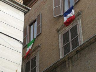 Tricolori-a-palazzo-Conventati