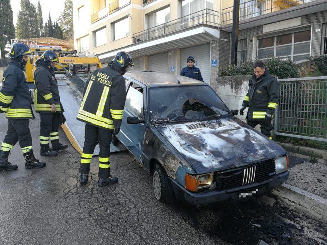 auto-fuoco-macerata1_censored-650x488