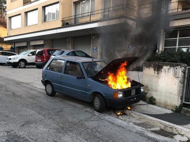 auto-fuoco-macerata2_censored-650x488