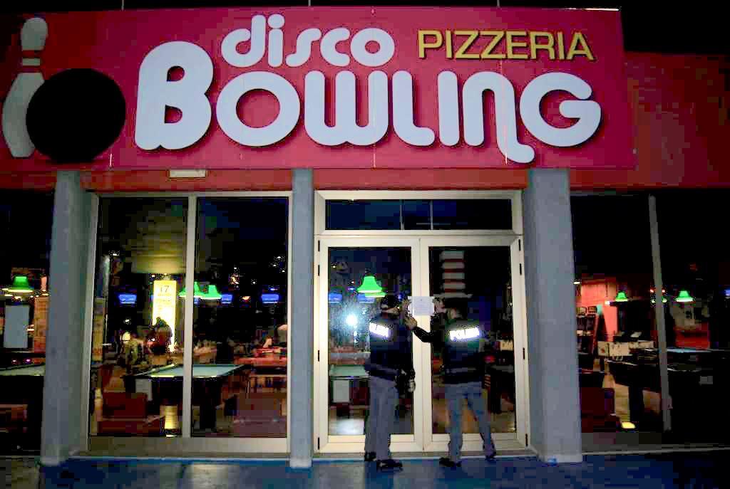 Stretta del questore: sigilli anche al Disco Bowling