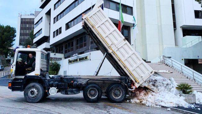 camion_neve_cingoli_regione-2-650x366