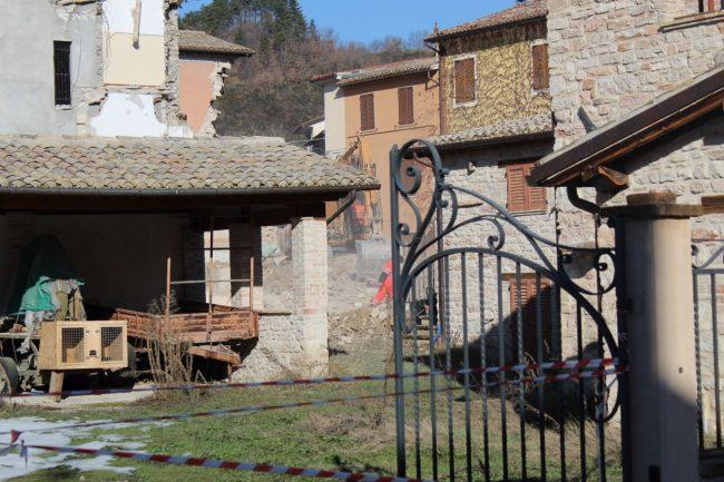 pieve-torina-sisma-demolizioni